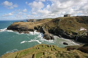 tintagel_castle_1_9581E4D9-1D09-001F-998DCDD68CD77947